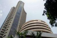 शेयर बाजार में भारी गिरावट, निवेशकों के डूबे 2.46 लाख करोड़ रुपए