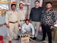 पुलिस के हाथ लगी बड़ी सफलता, 4 मामलों में 558 बोतलें शराब पकड़ी