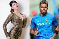 हार्दिक से मैच की टिकट मांगने वाली खबरों पर उर्वशी ने तोड़ी चुप्पी, कहा- Ex मैनेजर की हरकत...