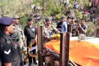शहीद अनिल को 5 माह के बेटे ने ऐसे दी अंतिम विदाई, पाकिस्तान मुर्दाबाद के नारों से गूंज उठा गांव