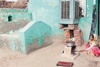 गांव के मुस्लिम मृत परिजनों को घर में ही दफनाने को मजबूर