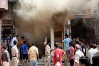 इलेक्ट्रॉनिक्स शोरूम में लगी भयंकर आग, लाखों के नुकसान से मालिक आहत