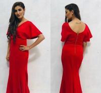 रेड ड्रेस पहन हॉट टैटू फ्लॉन्ट करती दिखीं सपना चौधरी, ग्लैमरस तस्वीरें आई सामने