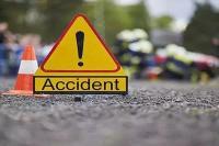सड़क हादसे में पत्नी की मौत, पति घायल