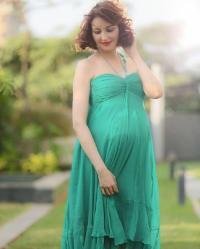 ''अनिता भाभी'' ने फ्लॉन्ट किया बेबी बंप, तस्वीर में दिखा क्यूट अंदाज