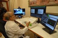 गुजरात में डाक्टर ने रचा इतिहास, 32 किमी दूर बैठे कर दी सर्जरी