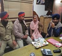सब-इंस्पैक्टर की पत्नी से लूटे 1.07 लाख रुपए और 50 अमरीकन डॉलर