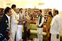 स्टालिन ने सोनिया-राहुल को एम.करुणानिधि की प्रतिमा अनावरण में आने का दिया न्योता