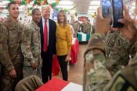 ट्रंपऔर मेलानिया अमरीकी सैनिकों को Surprise देनेके लिए पहुंचे इराक