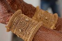 चांदी 525 रुपए महंगा, सोना 50 रुपए सस्ता