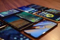 2019 में महंगे स्मार्टफोन करेंगे ग्राहकों को आकर्षित, सस्ते स्मार्टफोन का भी रहेगा बोलबाला