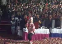 दिल छू लेगा इस नन्ही बच्ची का वीडियो, डांस देखकर हर कोई दंग (Video)