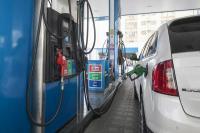 पेट्रोल-डीजल के दामों में कटौती पर लगा ब्रेक, लगातार दूसरे दिन नहीं बदले तेल के दाम