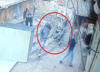 सोलन के एक व्यापारी के कार्यालय में घुसे हथियारों से लैस बदमाश, फैली सनसनी (Video)