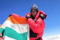 अरुणिमा ने फिर रचा इतिहास, एक टांग के सहारे अंटार्कटिका की टॉप चोटी पर लहराया तिरंगा