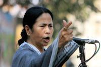 ममता बनर्जी ने अजमाए बैडमिंटन में हाथ, Video
