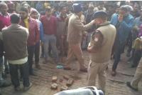 2 पक्षों में हुई झड़प के दौरान BJP नेता के बेटे ने कांग्रेस नेता को मारी गोली, मौत के बाद लोगों ने किया हंगामा