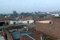 आसमानी बिजली गिरने से लाखों का नुकसान, करीब आधा दर्जन मकान हुए क्षतिग्रस्त