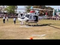 डिप्टी CM के हेलीकाप्टर पर चढ़कर सिपाही लेने लगा सेल्फी, पायलट ने जड़ा जोरदार थप्पड़