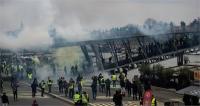 फ्रांस में फिर भड़की हिंसा, प्रदर्शनकारियों ने की मंत्रालय में तोडफ़ोड़