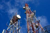 जुलाई-सितंबर तिमाही में दूरसंचार कंपनियों की आय 20 प्रतिशत गिरी