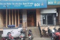 बैंकों ने लगाए ATM में कैश खत्म के बोर्ड, लेन-देन रहा ठप्प