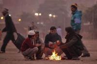 उत्तर भारत में शीतलहर का कहर जारी, फिर 6 डिग्री पहुंचा दिल्ली का तापमान