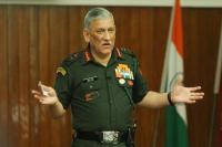 सोशल मीडिया पर फैलाया जा रहा झूठ युवाओं को बना रहा कट्टर: सेना प्रमुख