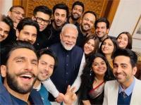 पीएम मोदी ने बॉलीवुड के दिग्गज सितारों से की मुलाकात, इस खास विषय पर हुई चर्चा