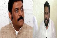 कर्नाटक: कांग्रेस विधायकों के खिलाफ गैर जमानती वारंट