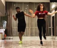 पंजाबी गाने 'लम्बरगिनी' पर डांस करती दिखीं ''दंगल गर्ल'', वीडियो आईं सामने