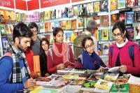 युवा पाठकों एवं लेखकों को जमकर भा रहा है विश्व पुस्तक मेला