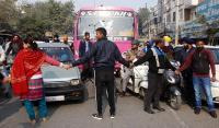 पति-पत्नी की तकरार : पुलिस की ढीली कारगुजारी पर घेरा थाना मजीठा रोड