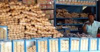 गोरखपुर में मकर संक्रान्ति के पहले पट्टी एवं तिलकुट की खरीददारी जोरो पर