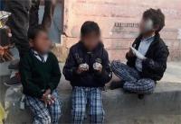 भदोहीः स्कूल वैन में अचानक लग गई आग, 15 बच्चे झुलसे