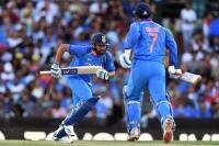 1st ODI: ऑस्ट्रेलिया ने भारत को 34 रनों से हराया, सीरीज में बनाई 1-0 से बढ़त