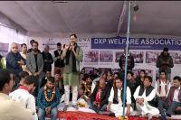 द्वारका एक्सप्रेसवे पर बने टोल के विरोध में अनिश्चितकालीन भूख हड़ताल पर बैठे ग्रामीण( video)