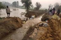 सूआ टूटने से सैंकड़ों एकड़ फसल का नुक्सान