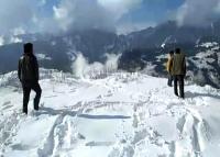 हिमाचल में बर्फबारी से जनजीवन अस्त-व्यस्त: रोहतांग दर्रे पर 5 फुट बर्फ, कई मार्ग बंद