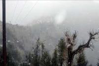 सिरमौर के ऊपरी इलाकों में सीजन का तीसरा हिमपात, तापमान में भारी गिरावट दर्ज