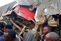 नाइजीरिया में ट्रक की चपेट आने से 20 लोगों के मरने की आशंका