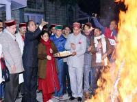 CM जयराम ने शिमला में मनाया लोहड़ी का त्यौहार, लोगों के साथ डाली नाटी