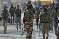 कश्मीर में आतंकियों को सेना की चेतावनी, 'आत्मसमर्पण करो या मरो'