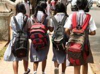 बच्चों को बैग के बोझ से मुक्ति दिलाने की पहल