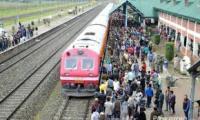 हड़ताल के दो दिन बाद कश्मीर में पटरी पर दौड़ी रेल