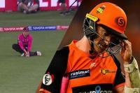 फ्री हिट नहीं 'एक्स्ट्रा गेंद' पर आऊट हुआ बल्लेबाज, मैच अंपायर हो गए ट्रोल