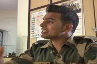 BSF जवान ने गाया 'मैं वापस आऊंगा', सुनते ही खड़े हो जाएंगे रोंगटे(Video)