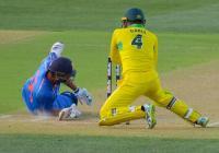 देखें भारत-आस्ट्रेलिया के बीच हुए दूसरे वनडे मैच की कुछ अनदेखी तस्वीरें