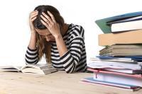 परीक्षा से पहले बोर्ड ने दी छात्रों को टेंशन,कैसे लगेगा पढ़ाई में ध्यान