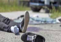 ट्रक की चपेट में आने से बाइक सवार 2 युवकों की मौत, 2 घायल